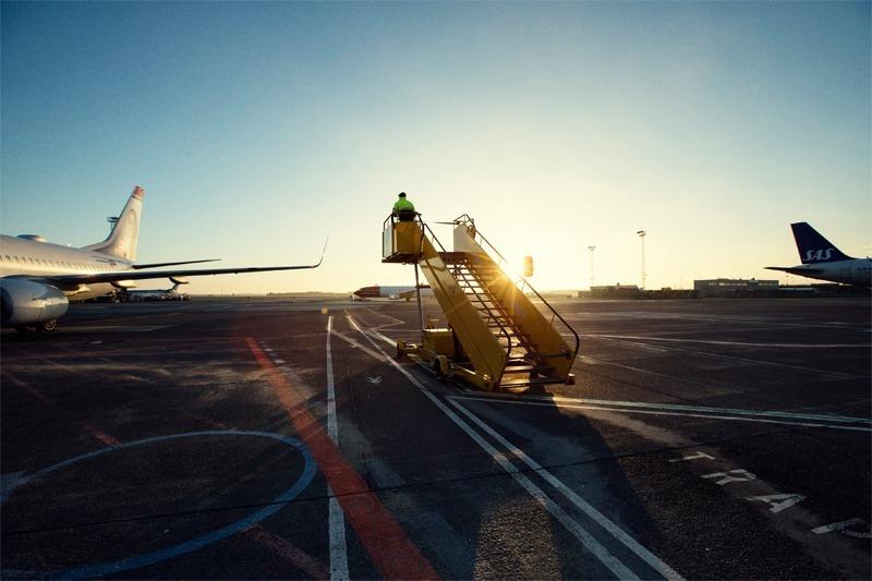 Bro ved fjernparkering af fly